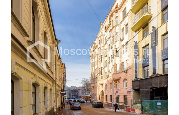"Photo #12 3-room (2 BR) apartment for <a href=""http://moscow-rentals.ru/en/articles/long-term-rent"" target=""_blank"">a long-term</a> rent  in Russia, Moscow, Zvonarskyi lane, 1"
