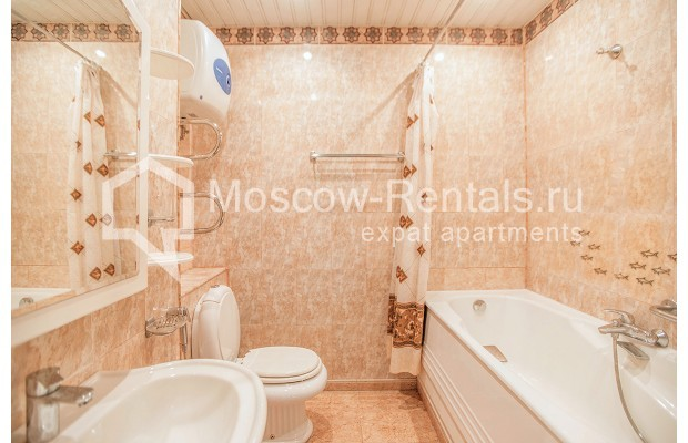 "Photo #10 3-room (2 BR) apartment for <a href=""http://moscow-rentals.ru/en/articles/long-term-rent"" target=""_blank"">a long-term</a> rent  in Russia, Moscow, Gilyarovskogo str, 4К1"