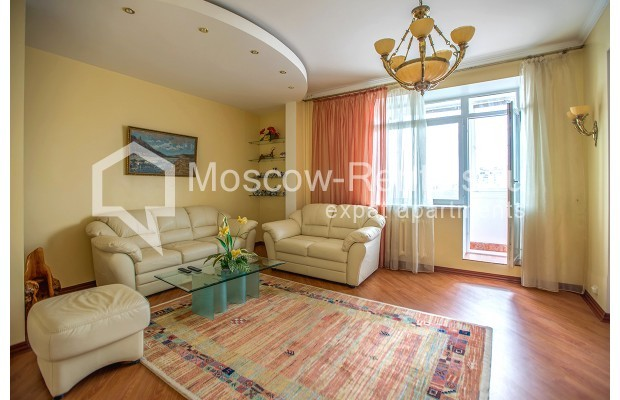 "Photo #4 3-room (2 BR) apartment for <a href=""http://moscow-rentals.ru/en/articles/long-term-rent"" target=""_blank"">a long-term</a> rent  in Russia, Moscow, Gilyarovskogo str, 4К1"