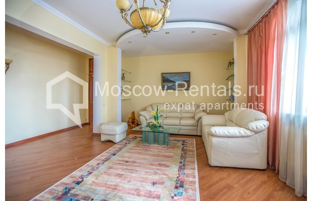 "Photo #3 3-room (2 BR) apartment for <a href=""http://moscow-rentals.ru/en/articles/long-term-rent"" target=""_blank"">a long-term</a> rent  in Russia, Moscow, Gilyarovskogo str, 4К1"