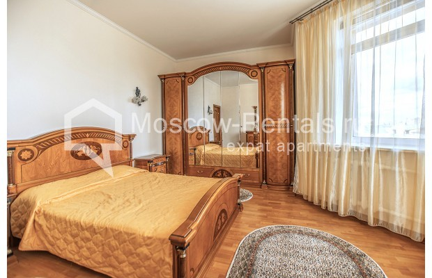 "Photo #6 3-room (2 BR) apartment for <a href=""http://moscow-rentals.ru/en/articles/long-term-rent"" target=""_blank"">a long-term</a> rent  in Russia, Moscow, Gilyarovskogo str, 4К1"