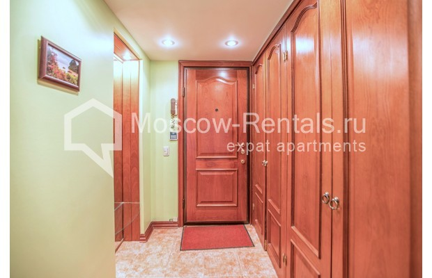 "Photo #14 3-room (2 BR) apartment for <a href=""http://moscow-rentals.ru/en/articles/long-term-rent"" target=""_blank"">a long-term</a> rent  in Russia, Moscow, Gilyarovskogo str, 4К1"