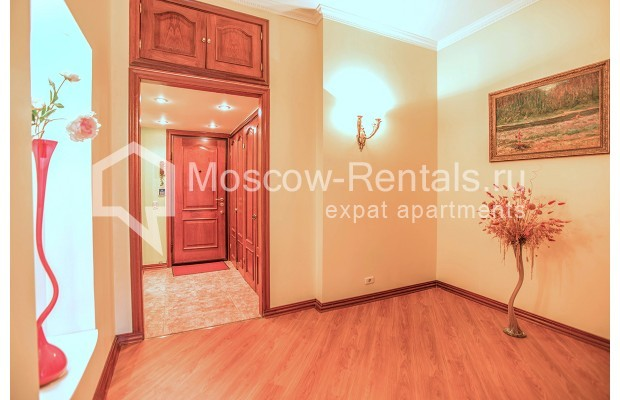 "Photo #13 3-room (2 BR) apartment for <a href=""http://moscow-rentals.ru/en/articles/long-term-rent"" target=""_blank"">a long-term</a> rent  in Russia, Moscow, Gilyarovskogo str, 4К1"