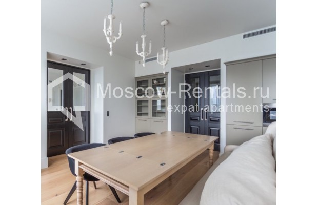 """Photo #2 3-room (2 BR) apartment for <a href=""""http://moscow-rentals.ru/en/articles/long-term-rent"""" target=""""_blank"""">a long-term</a> rent  in Russia, Moscow, B. Bronnaya str, 19"""