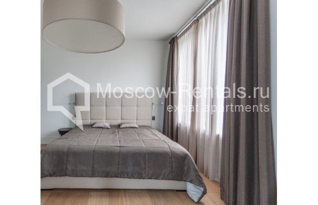"""Photo #13 3-room (2 BR) apartment for <a href=""""http://moscow-rentals.ru/en/articles/long-term-rent"""" target=""""_blank"""">a long-term</a> rent  in Russia, Moscow, B. Bronnaya str, 19"""