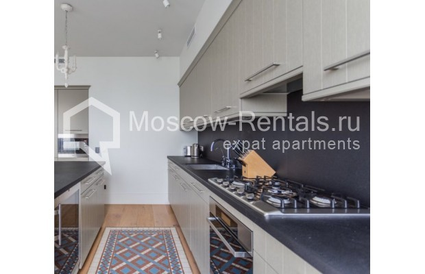 """Photo #5 3-room (2 BR) apartment for <a href=""""http://moscow-rentals.ru/en/articles/long-term-rent"""" target=""""_blank"""">a long-term</a> rent  in Russia, Moscow, B. Bronnaya str, 19"""