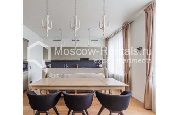 """Photo #9 3-room (2 BR) apartment for <a href=""""http://moscow-rentals.ru/en/articles/long-term-rent"""" target=""""_blank"""">a long-term</a> rent  in Russia, Moscow, B. Bronnaya str, 19"""