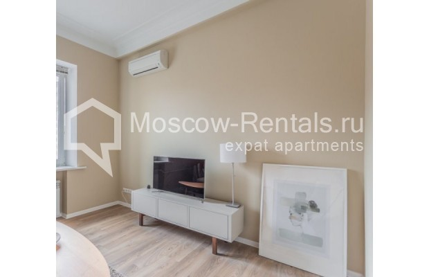 """Photo #6 2-room (1 BR) apartment for <a href=""""http://moscow-rentals.ru/en/articles/long-term-rent"""" target=""""_blank"""">a long-term</a> rent  in Russia, Moscow, B. Sadovaya str, 1"""