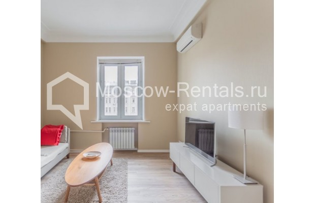 """Photo #4 2-room (1 BR) apartment for <a href=""""http://moscow-rentals.ru/en/articles/long-term-rent"""" target=""""_blank"""">a long-term</a> rent  in Russia, Moscow, B. Sadovaya str, 1"""