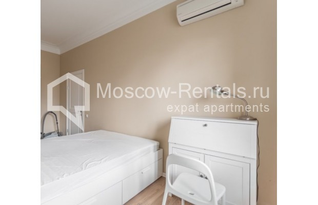 """Photo #9 2-room (1 BR) apartment for <a href=""""http://moscow-rentals.ru/en/articles/long-term-rent"""" target=""""_blank"""">a long-term</a> rent  in Russia, Moscow, B. Sadovaya str, 1"""