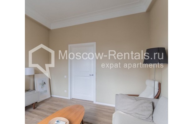 """Photo #5 2-room (1 BR) apartment for <a href=""""http://moscow-rentals.ru/en/articles/long-term-rent"""" target=""""_blank"""">a long-term</a> rent  in Russia, Moscow, B. Sadovaya str, 1"""