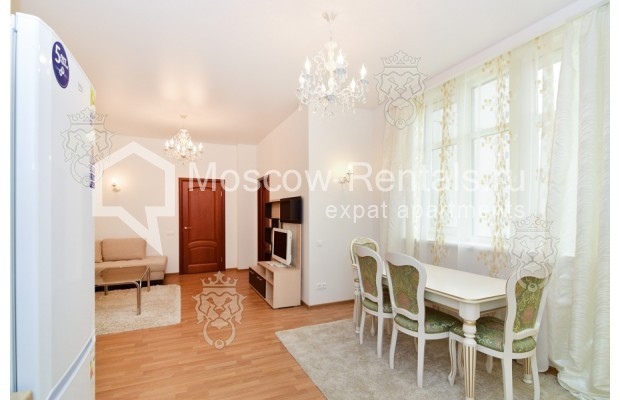 "Photo #4 3-room (2 BR) apartment for <a href=""http://moscow-rentals.ru/en/articles/long-term-rent"" target=""_blank"">a long-term</a> rent  in Russia, Moscow, Profsoyuznaya str, 64к2"