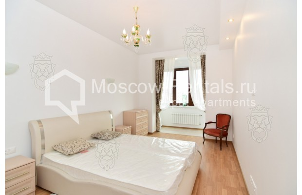 "Photo #8 3-room (2 BR) apartment for <a href=""http://moscow-rentals.ru/en/articles/long-term-rent"" target=""_blank"">a long-term</a> rent  in Russia, Moscow, Profsoyuznaya str, 64к2"