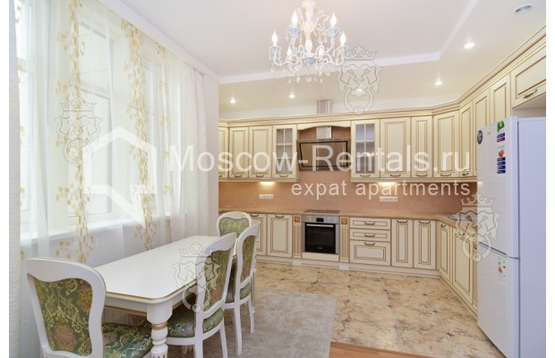 "Photo #3 3-room (2 BR) apartment for <a href=""http://moscow-rentals.ru/en/articles/long-term-rent"" target=""_blank"">a long-term</a> rent  in Russia, Moscow, Profsoyuznaya str, 64к2"