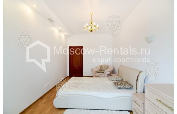 "Photo #9 3-room (2 BR) apartment for <a href=""http://moscow-rentals.ru/en/articles/long-term-rent"" target=""_blank"">a long-term</a> rent  in Russia, Moscow, Profsoyuznaya str, 64к2"