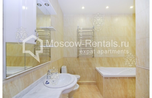 "Photo #12 3-room (2 BR) apartment for <a href=""http://moscow-rentals.ru/en/articles/long-term-rent"" target=""_blank"">a long-term</a> rent  in Russia, Moscow, Profsoyuznaya str, 64к2"