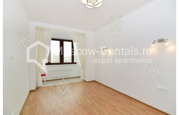 "Photo #10 3-room (2 BR) apartment for <a href=""http://moscow-rentals.ru/en/articles/long-term-rent"" target=""_blank"">a long-term</a> rent  in Russia, Moscow, Profsoyuznaya str, 64к2"