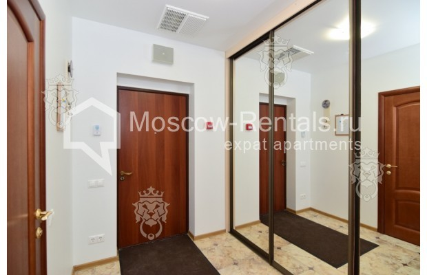 "Photo #15 3-room (2 BR) apartment for <a href=""http://moscow-rentals.ru/en/articles/long-term-rent"" target=""_blank"">a long-term</a> rent  in Russia, Moscow, Profsoyuznaya str, 64к2"