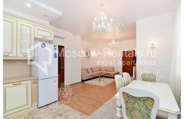 "Photo #5 3-room (2 BR) apartment for <a href=""http://moscow-rentals.ru/en/articles/long-term-rent"" target=""_blank"">a long-term</a> rent  in Russia, Moscow, Profsoyuznaya str, 64к2"