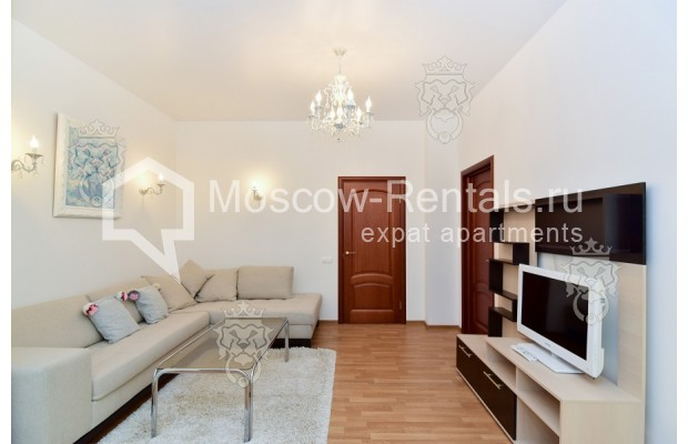 "Photo #6 3-room (2 BR) apartment for <a href=""http://moscow-rentals.ru/en/articles/long-term-rent"" target=""_blank"">a long-term</a> rent  in Russia, Moscow, Profsoyuznaya str, 64к2"