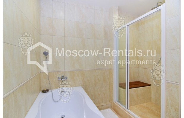"Photo #13 3-room (2 BR) apartment for <a href=""http://moscow-rentals.ru/en/articles/long-term-rent"" target=""_blank"">a long-term</a> rent  in Russia, Moscow, Profsoyuznaya str, 64к2"