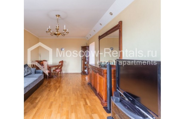 """Photo #3 3-room (2 BR) apartment for <a href=""""http://moscow-rentals.ru/en/articles/long-term-rent"""" target=""""_blank"""">a long-term</a> rent  in Russia, Moscow, Kazakova str, 27"""