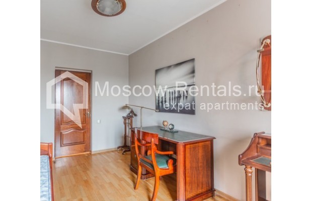 """Photo #7 3-room (2 BR) apartment for <a href=""""http://moscow-rentals.ru/en/articles/long-term-rent"""" target=""""_blank"""">a long-term</a> rent  in Russia, Moscow, Kazakova str, 27"""