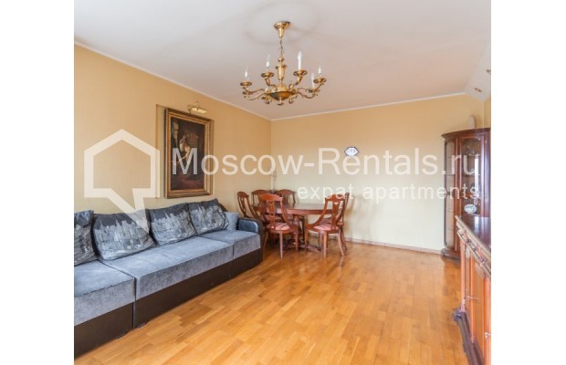 """Photo #2 3-room (2 BR) apartment for <a href=""""http://moscow-rentals.ru/en/articles/long-term-rent"""" target=""""_blank"""">a long-term</a> rent  in Russia, Moscow, Kazakova str, 27"""