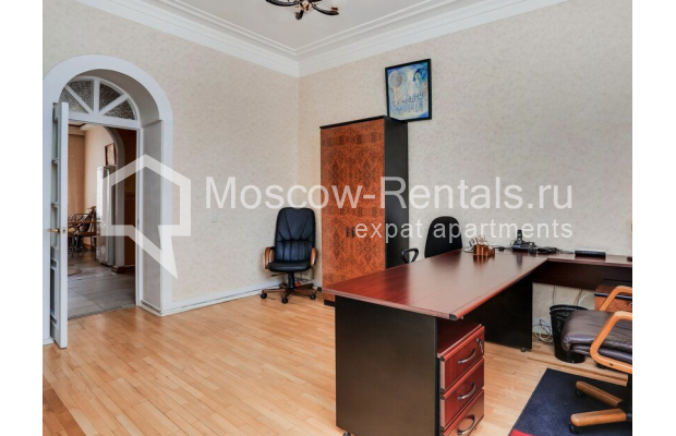 """Photo #5 3-room (2 BR) apartment for <a href=""""http://moscow-rentals.ru/en/articles/long-term-rent"""" target=""""_blank"""">a long-term</a> rent  in Russia, Moscow, Prospect Mira, 74С1"""