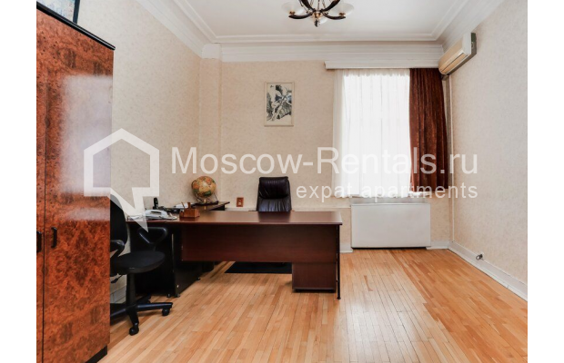 """Photo #4 3-room (2 BR) apartment for <a href=""""http://moscow-rentals.ru/en/articles/long-term-rent"""" target=""""_blank"""">a long-term</a> rent  in Russia, Moscow, Prospect Mira, 74С1"""