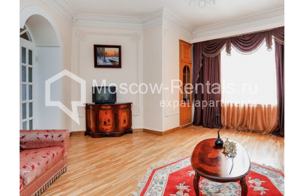 """Photo #2 3-room (2 BR) apartment for <a href=""""http://moscow-rentals.ru/en/articles/long-term-rent"""" target=""""_blank"""">a long-term</a> rent  in Russia, Moscow, Prospect Mira, 74С1"""