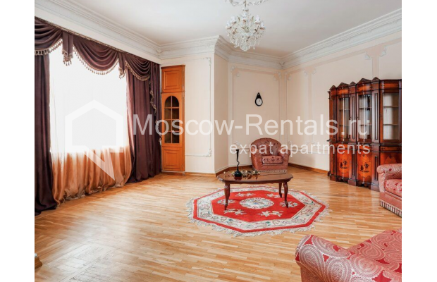 """Photo #3 3-room (2 BR) apartment for <a href=""""http://moscow-rentals.ru/en/articles/long-term-rent"""" target=""""_blank"""">a long-term</a> rent  in Russia, Moscow, Prospect Mira, 74С1"""