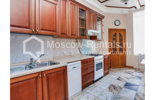 """Photo #11 3-room (2 BR) apartment for <a href=""""http://moscow-rentals.ru/en/articles/long-term-rent"""" target=""""_blank"""">a long-term</a> rent  in Russia, Moscow, Prospect Mira, 74С1"""