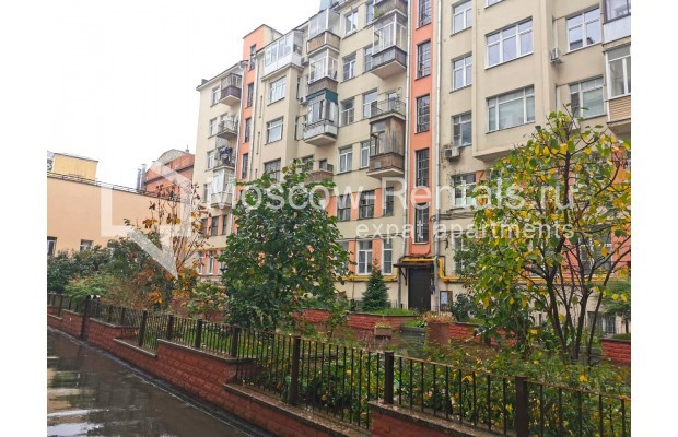 "Photo #12 3-room (2 BR) apartment for <a href=""http://moscow-rentals.ru/en/articles/long-term-rent"" target=""_blank"">a long-term</a> rent  in Russia, Moscow, Tverskaya str, 6С5"