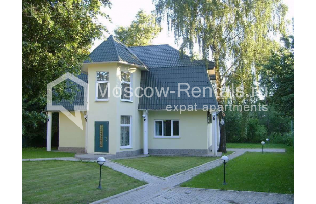 "Photo #8 House for <a href=""http://moscow-rentals.ru/en/articles/long-term-rent"" target=""_blank"">a long-term</a> rent  in Russia, Moscow, Brullova str, 7"