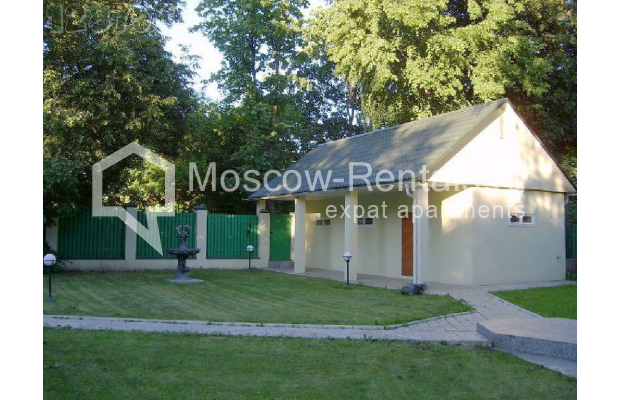 "Photo #6 House for <a href=""http://moscow-rentals.ru/en/articles/long-term-rent"" target=""_blank"">a long-term</a> rent  in Russia, Moscow, Brullova str, 7"