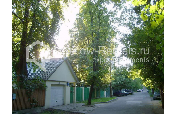 "Photo #10 House for <a href=""http://moscow-rentals.ru/en/articles/long-term-rent"" target=""_blank"">a long-term</a> rent  in Russia, Moscow, Brullova str, 7"