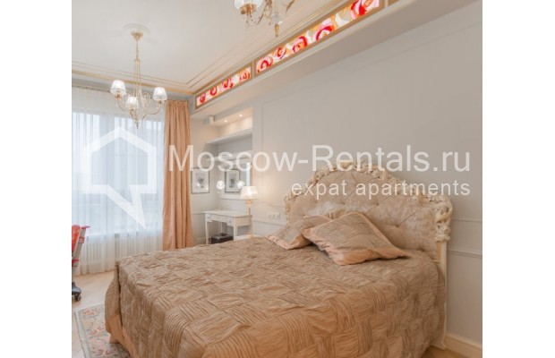 "Photo #13 4-room (3 BR) apartment for <a href=""http://moscow-rentals.ru/en/articles/long-term-rent"" target=""_blank"">a long-term</a> rent  in Russia, Moscow, B. Tishinskyi lane, 10С1"