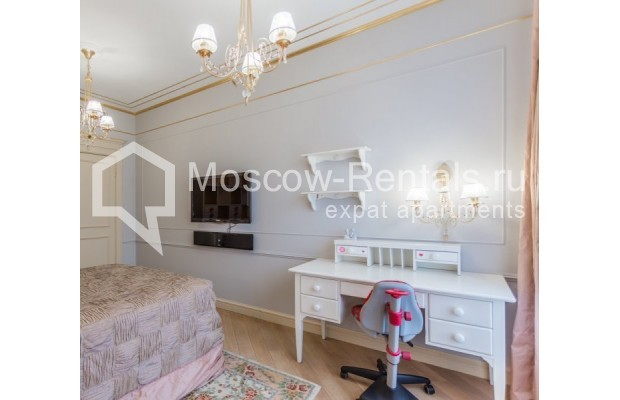 "Photo #15 4-room (3 BR) apartment for <a href=""http://moscow-rentals.ru/en/articles/long-term-rent"" target=""_blank"">a long-term</a> rent  in Russia, Moscow, B. Tishinskyi lane, 10С1"
