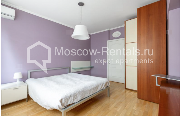"""Photo #6 2-room (1 BR) apartment for <a href=""""http://moscow-rentals.ru/en/articles/long-term-rent"""" target=""""_blank"""">a long-term</a> rent  in Russia, Moscow, Staryi Tolmachevskyi lane, 7"""