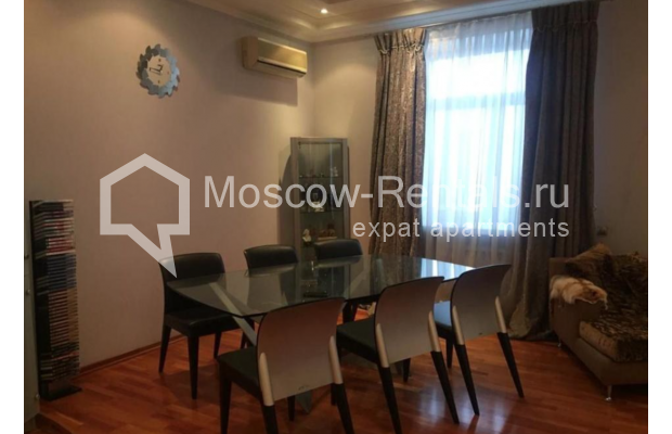 """Photo #5 3-room (2 BR) apartment for <a href=""""http://moscow-rentals.ru/en/articles/long-term-rent"""" target=""""_blank"""">a long-term</a> rent  in Russia, Moscow, Kosmodamianskaya emb, 40/42с3"""