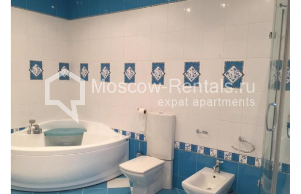 """Photo #15 3-room (2 BR) apartment for <a href=""""http://moscow-rentals.ru/en/articles/long-term-rent"""" target=""""_blank"""">a long-term</a> rent  in Russia, Moscow, Kosmodamianskaya emb, 40/42с3"""