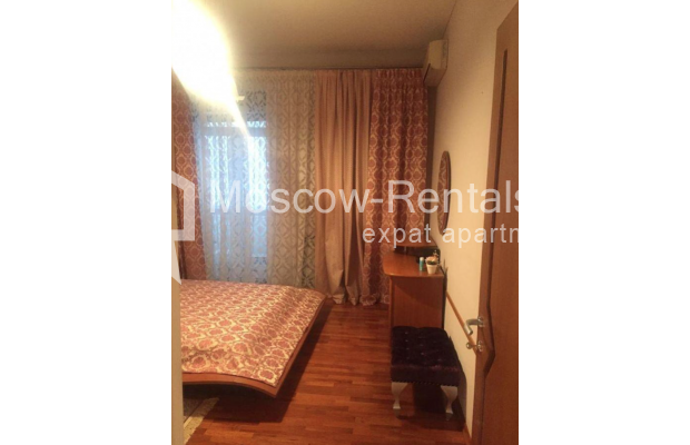 """Photo #9 3-room (2 BR) apartment for <a href=""""http://moscow-rentals.ru/en/articles/long-term-rent"""" target=""""_blank"""">a long-term</a> rent  in Russia, Moscow, Kosmodamianskaya emb, 40/42с3"""
