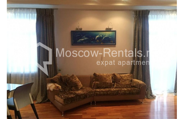 """Photo #4 3-room (2 BR) apartment for <a href=""""http://moscow-rentals.ru/en/articles/long-term-rent"""" target=""""_blank"""">a long-term</a> rent  in Russia, Moscow, Kosmodamianskaya emb, 40/42с3"""