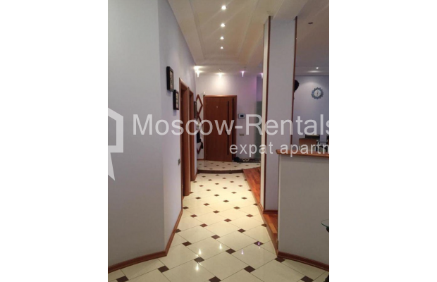 """Photo #18 3-room (2 BR) apartment for <a href=""""http://moscow-rentals.ru/en/articles/long-term-rent"""" target=""""_blank"""">a long-term</a> rent  in Russia, Moscow, Kosmodamianskaya emb, 40/42с3"""