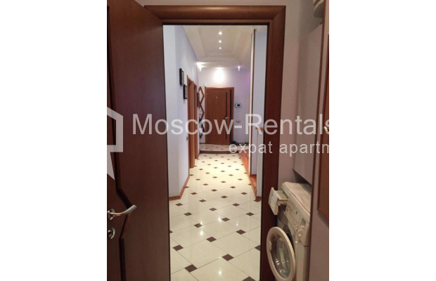 """Photo #12 3-room (2 BR) apartment for <a href=""""http://moscow-rentals.ru/en/articles/long-term-rent"""" target=""""_blank"""">a long-term</a> rent  in Russia, Moscow, Kosmodamianskaya emb, 40/42с3"""