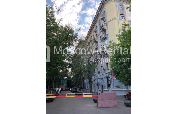 """Photo #20 3-room (2 BR) apartment for <a href=""""http://moscow-rentals.ru/en/articles/long-term-rent"""" target=""""_blank"""">a long-term</a> rent  in Russia, Moscow, Kosmodamianskaya emb, 40/42с3"""