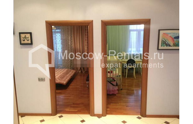 """Photo #7 3-room (2 BR) apartment for <a href=""""http://moscow-rentals.ru/en/articles/long-term-rent"""" target=""""_blank"""">a long-term</a> rent  in Russia, Moscow, Kosmodamianskaya emb, 40/42с3"""