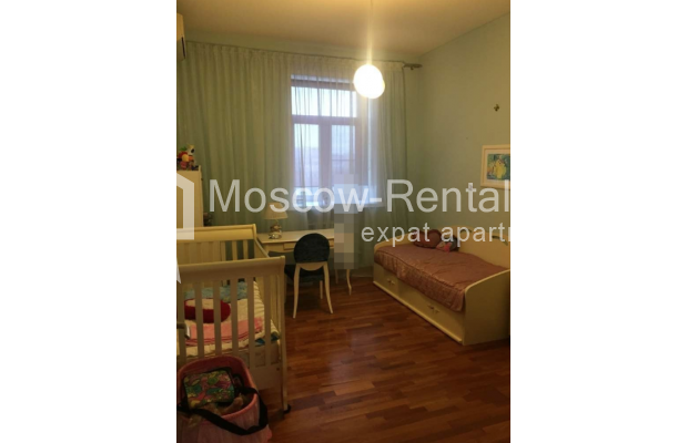 """Photo #10 3-room (2 BR) apartment for <a href=""""http://moscow-rentals.ru/en/articles/long-term-rent"""" target=""""_blank"""">a long-term</a> rent  in Russia, Moscow, Kosmodamianskaya emb, 40/42с3"""