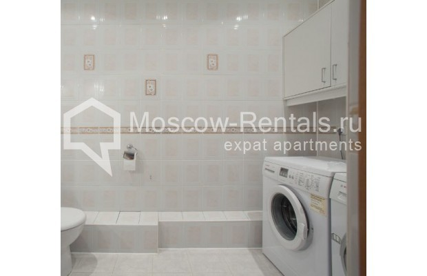 """Photo #9 3-room (2 BR) apartment for <a href=""""http://moscow-rentals.ru/en/articles/long-term-rent"""" target=""""_blank"""">a long-term</a> rent  in Russia, Moscow, Daev lane, 5"""